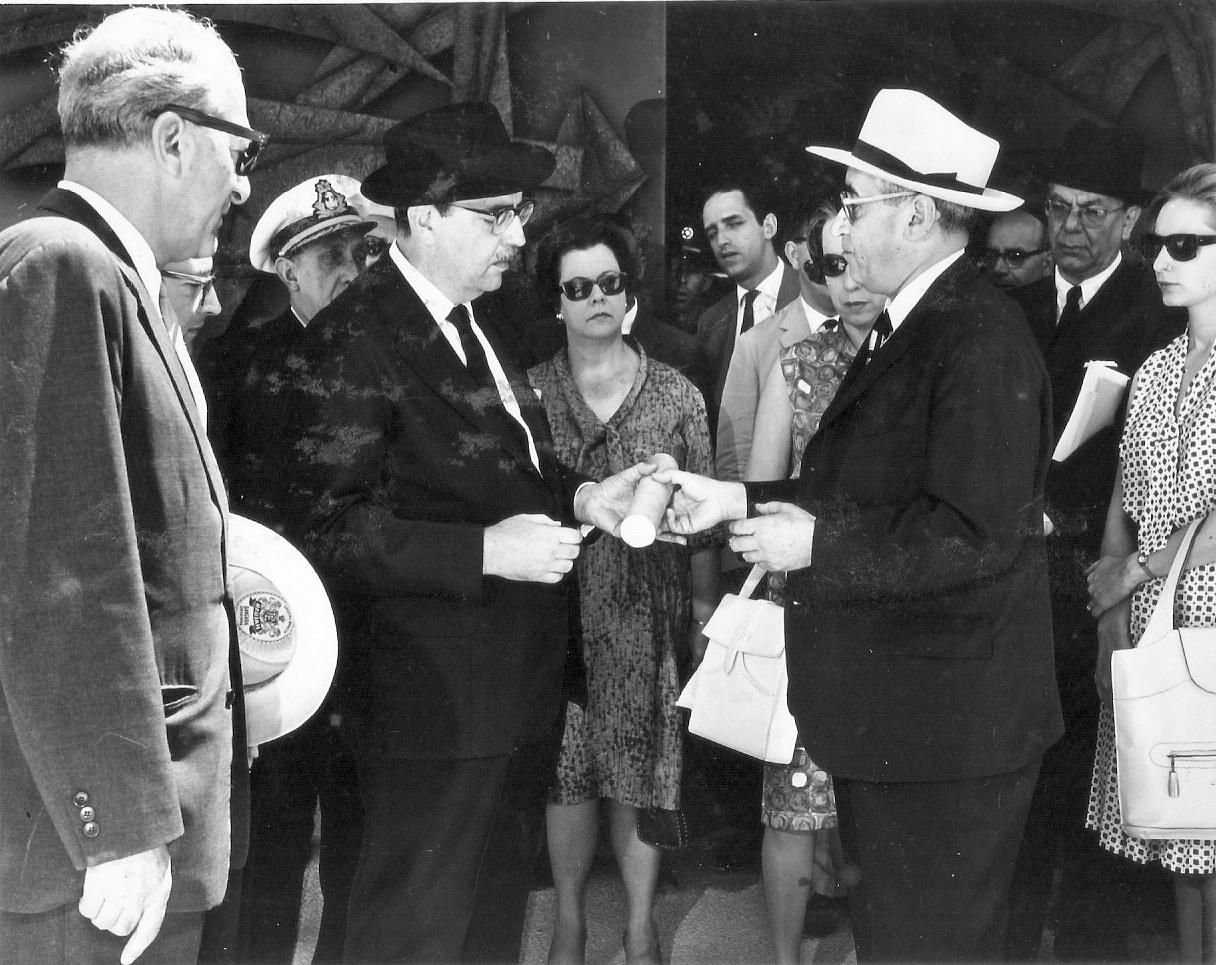 Com dr. Kubory em Yad Vashem – 21/5/1962